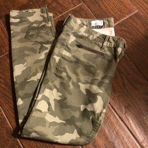 Gap always skinny camouflage pants/denim